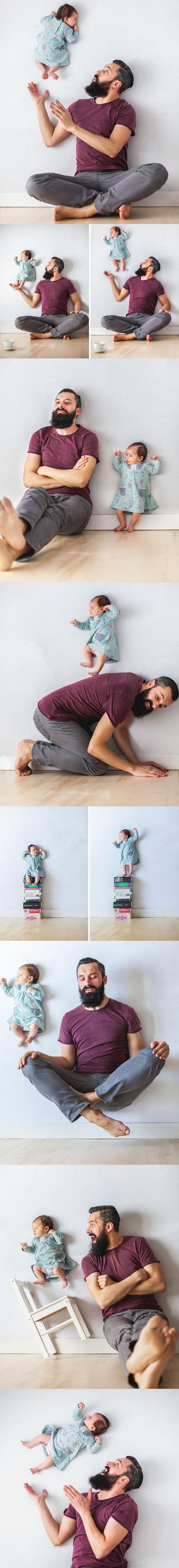 A mãe capturou as imagens colocando a bebê  no colchão com seu pai e adereços…