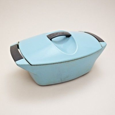 Raymond Loewy; Enameled Iron 'Coquelle' Cookware for Le Creuset, 1950s.