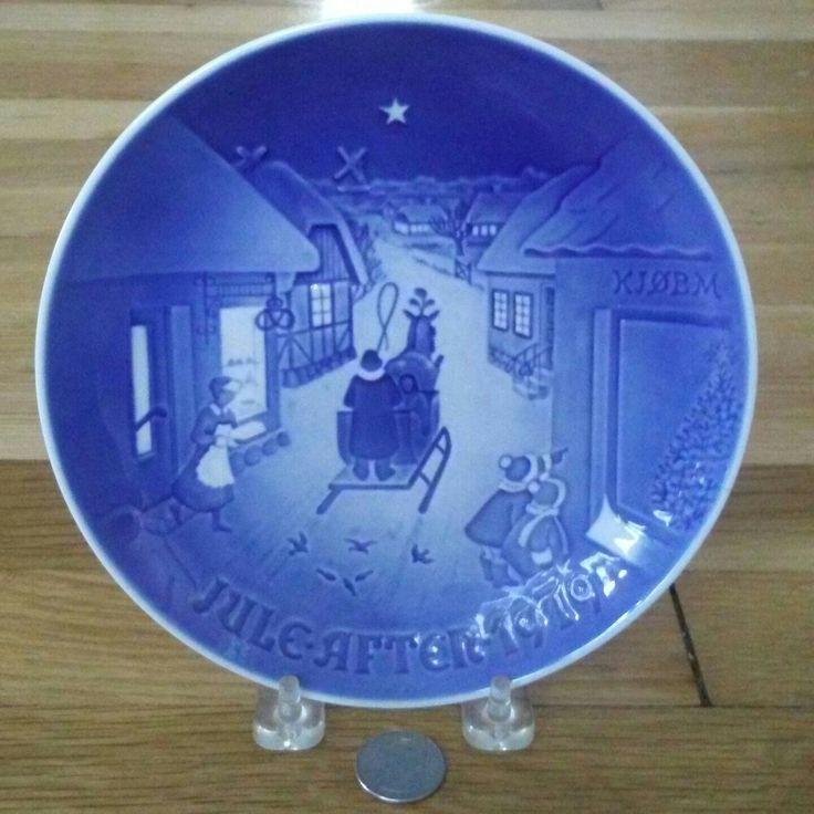 Blue vintage Christmas plates for sale in our online Etsy shop. USA