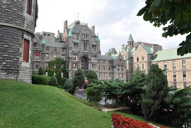 Royal Victoria Hospital, Montreal by Blake Gumprecht, via Flickr