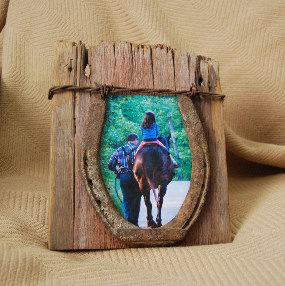 Reclaimed barn wood photo and horse shoe picture frame. 4 X 6 with rusty horse shoe and barbed wire