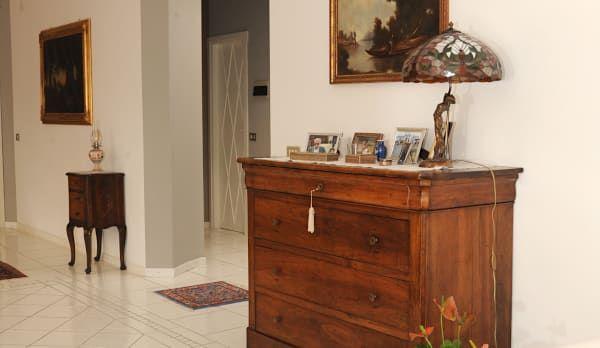 Oltre 25 fantastiche idee su mobili dipinti su pinterest for Piccoli mobili antichi