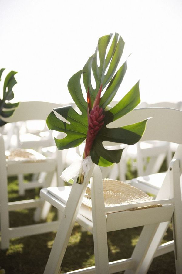 Stunning aisle decor idea for a tropical/beach wedding!
