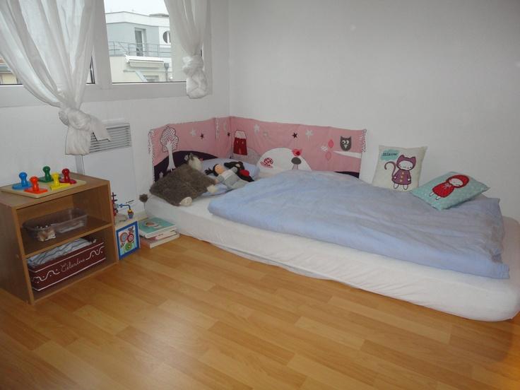 263 best montessori floor bed images on pinterest kidsroom nursery and floor beds. Black Bedroom Furniture Sets. Home Design Ideas