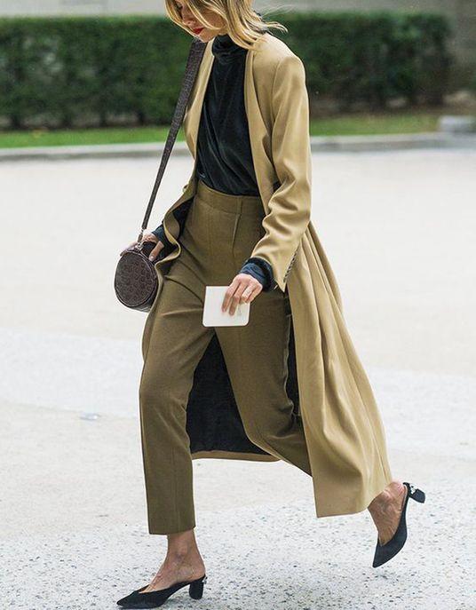 17 meilleures id es propos de pantalon kaki sur pinterest tenue kakis tenue de pantalon. Black Bedroom Furniture Sets. Home Design Ideas