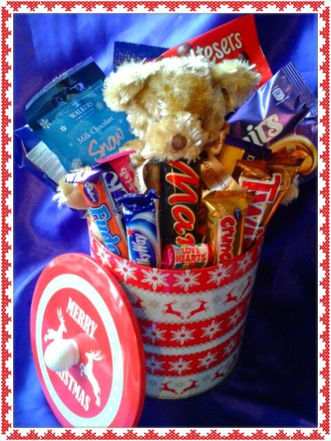 Sweetie and chocolate Christmas tin #Christmas # chocolate #sweets #gift #festive #tin #cadburys #swizzles #reeses #candy #love #hearts #treats #yummy #present #teddy #russberrie #best #biscuit #barrel #cookie #tin #sweetngroovystuff www.facebook.com/sweetngroovystuff