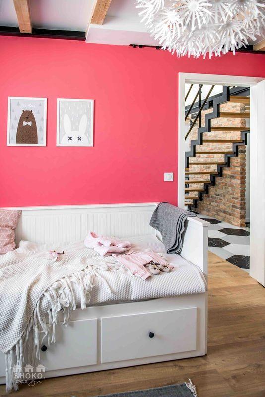 Ezt a lakást egylengyel belsőépítész iroda, a Shoko Design tervezte. Céljuk, hogy Kelet-Európábanúj stílust teremtsenek, olyanbelső tereket alkossanak, amelyek modernek és ugyanakkor időtlenek is. Amellett, hogy a tervezés minden részletében nagyon átgondolt, nem nélkülözi a játékosságot sem.…