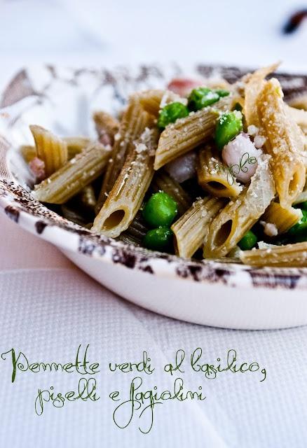 Pennette verdi al basilico, piselli e fagiolini/Green basil penne, peas and beans