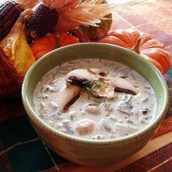 ✻ ✻ Creamy mushroom soup ✻ ✻ Recipe: http://allrecipes.co.uk/recipe/7037/creamy-mushroom-soup.aspx?o_is=Hub_TopRecipe_2
