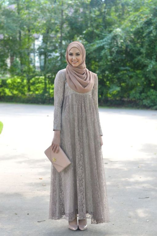 lace gray hijab dress, leena asad, Classy hijab outfits http://www.justtrendygirls.com/classy-hijab-outfits/