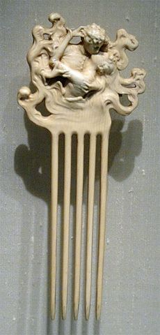 Lalique Lovers' Kiss in ivory c1902.