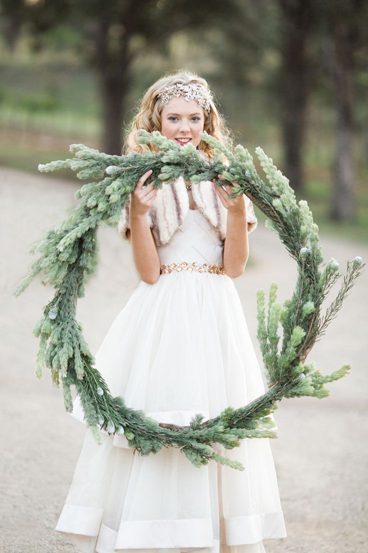 Holiday Inspired Wedding Details: http://www.stylemepretty.com//2014/12/13/20-ideas-for-a-holiday-wedding/