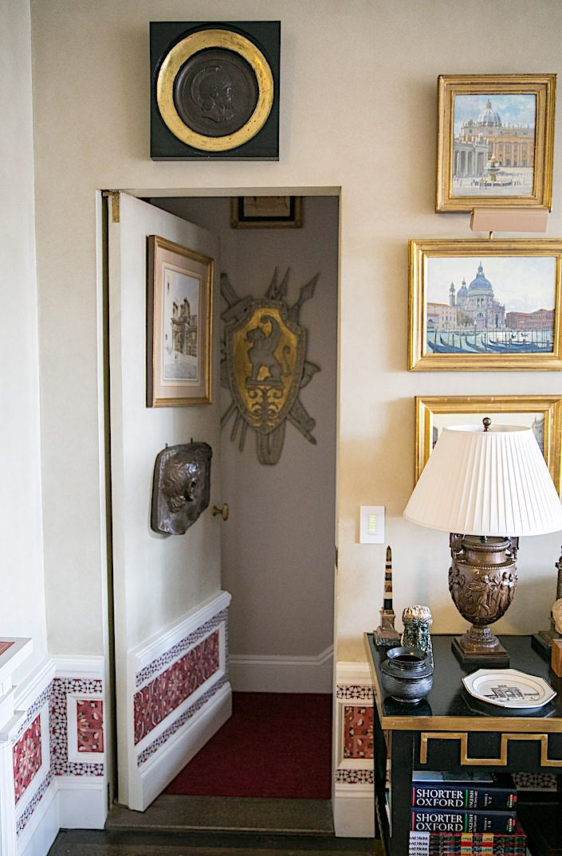 At Home With Alexa Hampton via Quintessence