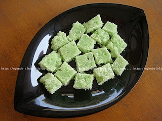 Coconut Toffee ... another pretty addition to the Kuswar (Traditional Indian Christmas) platter.