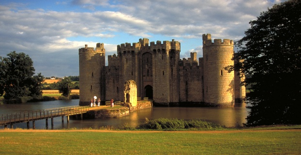 EnglandHoliday Ideas, England, Interesting Places, Visit Sussex, Castles Travel, Places I D, Amazing Castles, East Sussex, Bodiam Castles