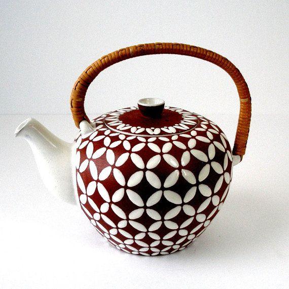 VTG Ioska Denemarken aardewerk thee Pot rotan handvat Cover bruin wit vier…