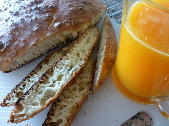 Homemade Bread and fresh orangejuice. Lovely start <3