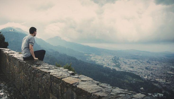 Mindfulness in the age of social media. #mindfulness #socialmedia #detox #noise #discernment #blog www.dharmawanderlust.com