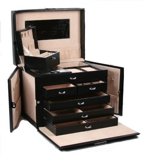 5 slide out drawers; 20 compartments;10 necklace hooks;3 large storage pouches;Lined in silsuede and finished in oiled leather and durable synthahide.