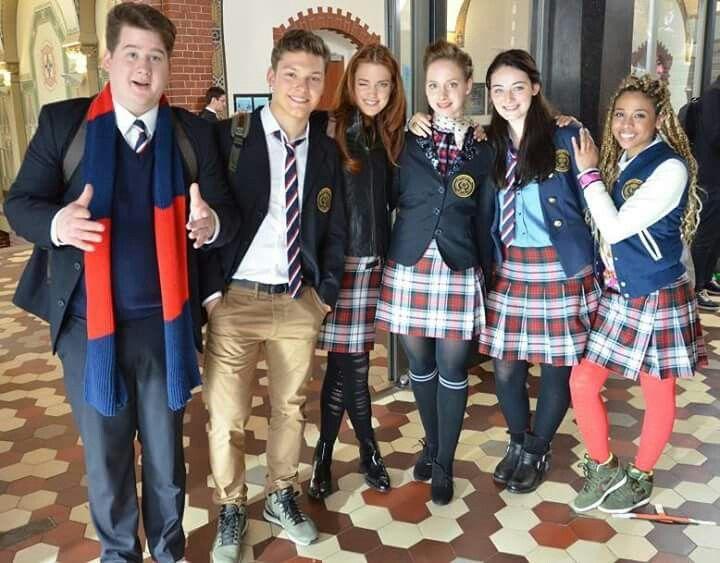 Smaragdgrün - Gordon (Chris Tall), Raphael (Lion Wasczyk), Charlotte (Laura Berlin), Cynthia (Oxana Salzmann), Gwendolyn (Maria Ehrich) & Leslie (Jennifer Lotsi) | Behind the scenes