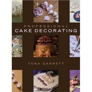 Cake decorating book for advanced decorators