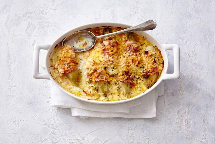 Witlof blijft toch het lekkerst als je het eet met ham en kaas. Nóg lekkerder met een beetje tijm. - Recept - Allerhande
