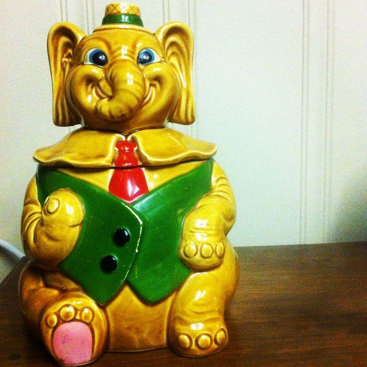 1000 images about elephant cookie jars on pinterest vintage twins ceramics and 1940s - Vintage elephant cookie jar ...