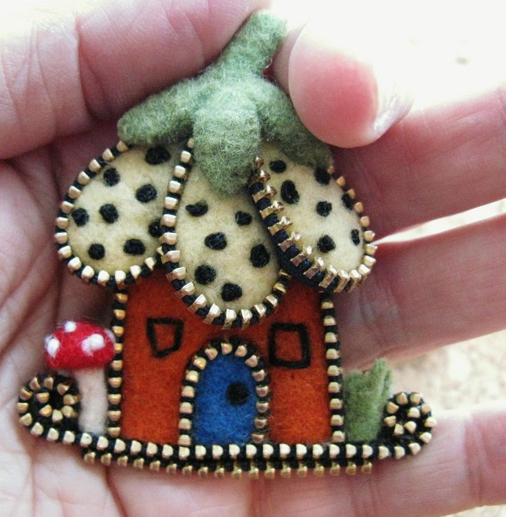 All sizes | Zipper flower house brooch | Flickr - Photo Sharing!