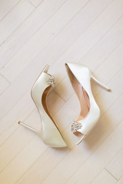 Satin wedding shoes: http://www.stylemepretty.com/texas-weddings/2015/01/28/elegant-outdoor-autumn-wedding/ | Photography: Archetype - http://archetypestudioinc.com/
