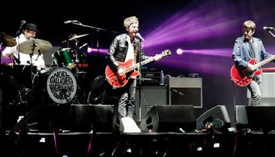 Crónica: Noel Gallagher en Lima – Tribuna Norte del Estadio San Marcos 11 de mayo 2012