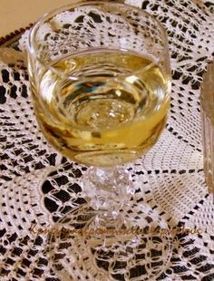 Το επετειακό!   Τα λικέρ είναι κάπως ιδιαίτερο είδος αλκοολούχου ποτού. Λένε ότι οι γεροί πότες δεν τα προτιμούν παρόλο που είναι σχετικά δυνατά, γιατί η γλύκα που βγάζουν δεν επιτρέπει…