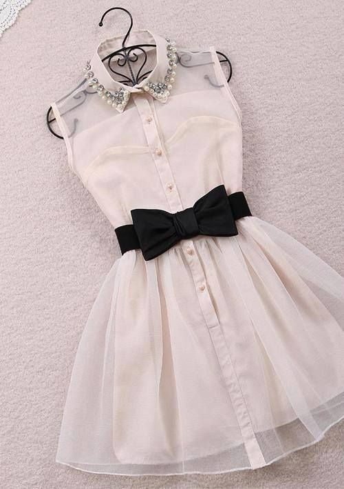 This Pin was discovered by Lisset Mier. Discover (and save!) your own Pins on Pinterest. | See more about vintage style dresses, white bows and dress vintage.