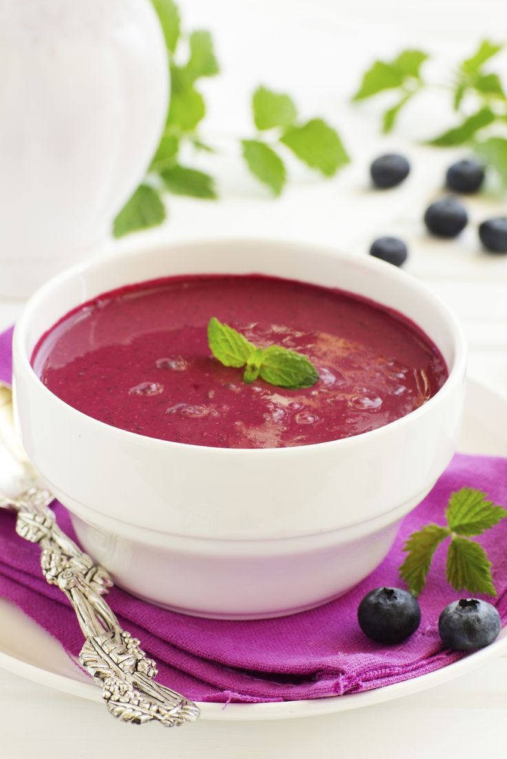 As a dessert, starter, snack, or even breakfast – this soup is a colourful addition to any meal. Nutrition: 127 calories, 5 g protein, 4 g fibre per serving.