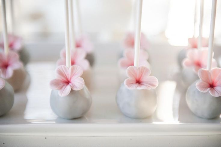 Sweet Tables | Sugarlips Cakes