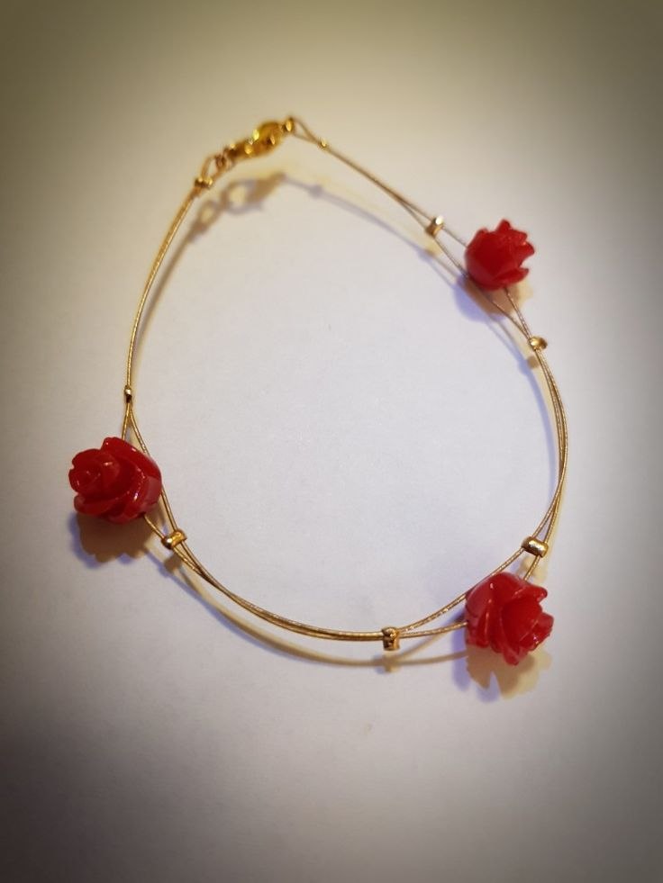 Red roses and gold bracelet, a perfect gift for happy Chinese New Year:)