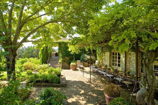 1000 images about maisons espaces ext rieurs on pinterest gardens umbria italy and terrace - Petit espace ontwerp ...