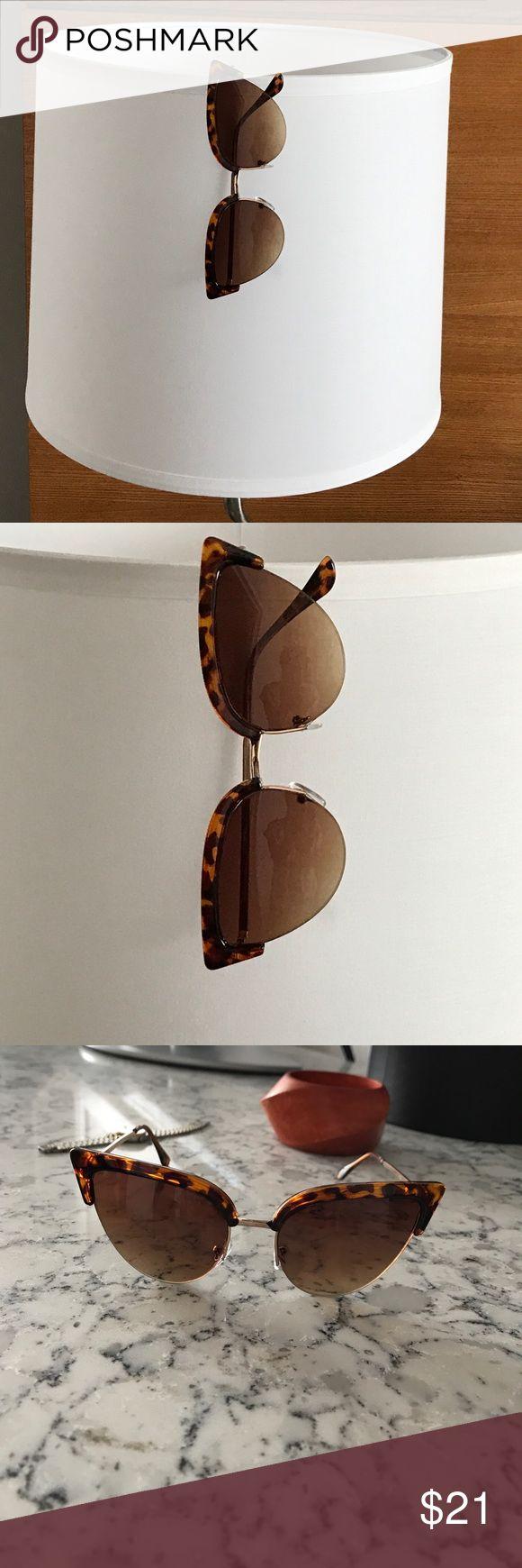 RETRO TORTOISE CAT GOLD METAL SUNGLASSES AMAZING!!! Gold metal accents. UV Protection. 51Twenty Accessories Sunglasses