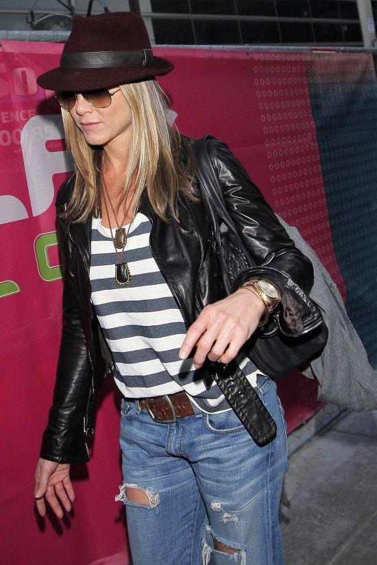 Jennifer Aniston in Current/Elliott Denim
