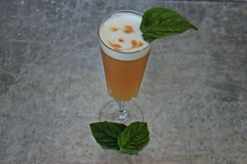 This week's cocktail is the Whiskey Basil Shake made by Natalie (BeautifulBooze.com).  Not only does this taste great, it's really easy to make.  Sure, you have a couple extra steps (like whipping up a basil-flavored simple syrup and beating an egg white 'til it's foamy.)  But it is so worth it. Try making this for a fun date night or any other special occasion with friends or family.  Guaranteed everyone will drink this to the last drop. Recipe: blog.getdistilld.com