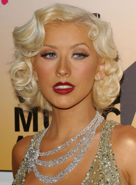 Platinum finger waves and pin curls, serving Jean Harlow realness.