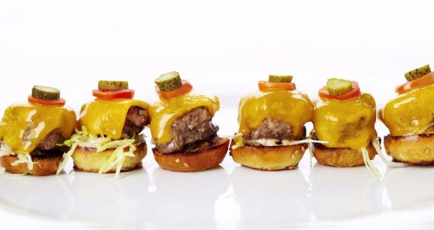 Wolfgang Puck   Mini Prime Cheeseburgers   Mini cheeseburgers with aged cheddar and remoulade: Minis Cheeseburgers, Age Cheddar, Minis Dog Qu, Oscars, Minis Kobe, Beef Burgers, Cheeseburgers Recipes, Minis Burgers, Minis Prime