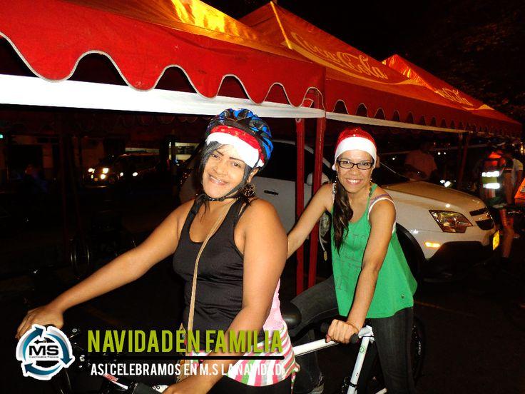 #Felicidad #Navidad #Familia #IMPERCAP #Impermeable #Integración #msplasticos #compartir Así celebramos la navidad !