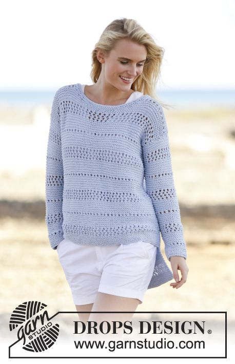 """Knitted DROPS jumper in garter st with lace pattern in """"Paris"""". Size: S - XXXL. Free pattern by DROPS Design."""