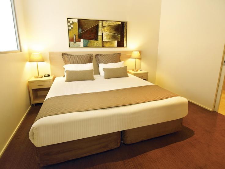 Oaks on Lonsdale - 1 bed exec #2903 dbl bed