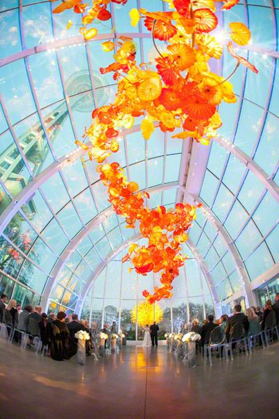 This wedding was like a dream.  You have to check it out! | Wedding at Chihuly Garden and Glass, Seattle, WA | Clane Gessel Photography #Wedding #Photography