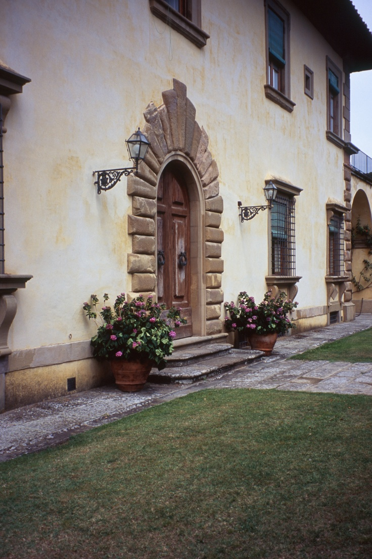 Like Clean Look With Potted Plants Villa Gamberaia