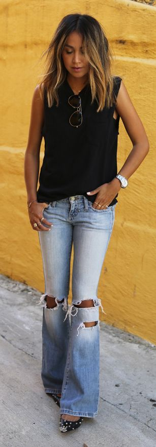 Distressed Flare Jeans Outfit. Tan skin so sexy! Organic Sunless Tanner. Fast Drying. Streak Free. Odorless. www.MySkinsFriend.com