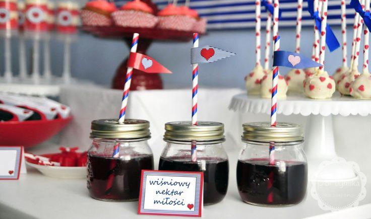 Przyjęcie walentynkowe, papierowe słomki Valentine's day party, mason jars, paper straws