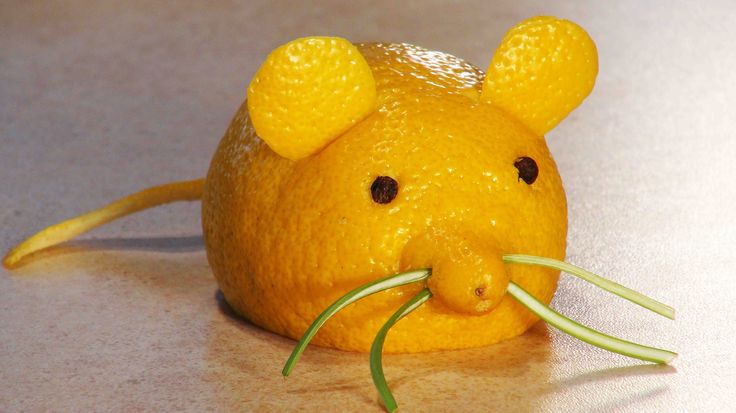 Simple fruit carving. Fruit carving for kids. A Lemon Mouse. - YouTube