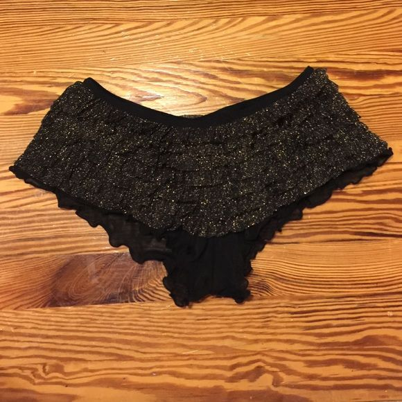 Sexy panties from Torrid Nwot! Never worn very sexy panties from Torrid! Black and gold! Plus size 0 and will for anywhere from a large to 2x depends on how you where yours Torrid Intimates & Sleepwear Panties